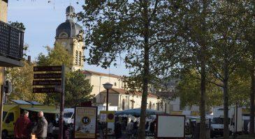 panneaux communaux péage de Roussillon